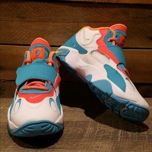 NEW Boys Nike Air Max Speed Turf